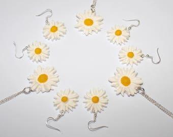 Daisy earrings daisy dangle earrings flower necklace white earrings summer jewellery daisy necklace flower earrings gardener gift flower