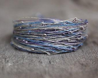 Boho jewelry, Dainty bracelet, beaded bracelet in blue beige and lavender, linen bracelet, bohemian jewelry