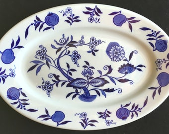 """Shenango Restaurant Hotel China """"Blue Onion"""" 13.25"""" x 9"""" Oval Platter in Excellent Condition"""