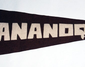 Genuine Vintage Original 1920s-'30s Sewn Letters Felt Pennant for Gananoque, Canada  -- Free Shipping!
