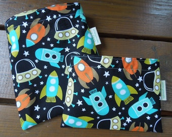 Reusable sandwich and/or snack bag -  Kids reusable sandwich bag- Eco friendly snack bag - Zero waste lunch bags - Space station