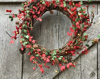 Christmas Wreath with Pine Cones, Boxwood and Pip Berries, Winter Wreath, Boxwood Wreath, Rustic Wreath, Primitive Wreath, Free Shipping