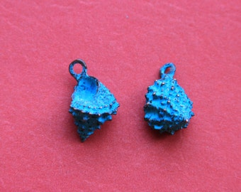 1/1 MADE in GREECE 4 Mykonos green patina conch shell charms, green patina sea shell charm (B1290ACG) Qty4