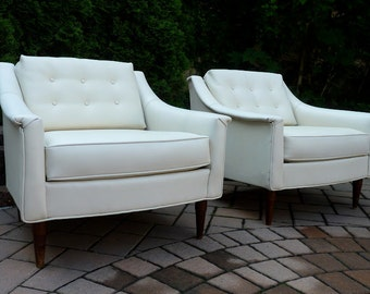 PAIR Mid Century Modern Danish LOUNGE Chair by SELIG