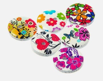 Set of 10 wooden buttons - 15 mm - theme hearts white flowers - 2 holes