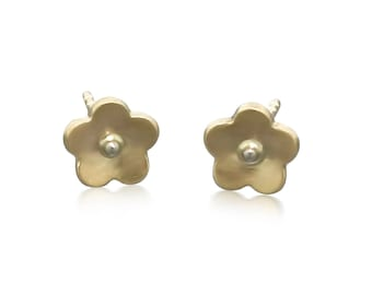 14K Gold Flower Studs Minimalist Gold Earrings Gift for Her • Cute birthday gift • Simple solid gold flower earrings