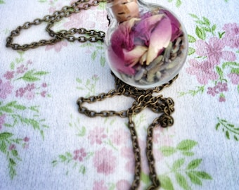 Real Flower Necklace, Glass Orb Necklace, Botanical Jewellery, Bohemian Necklace, Nature Necklace, Lavender, Floral Jewellery, Glass Orb