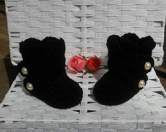 Baby girl winter boots, newborn girl booties, crochet baby booties, baby shower gift, baby girl coming home outfit, stocking stuffer