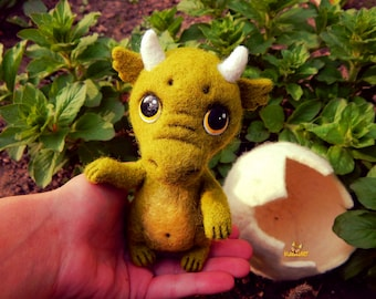 Needle Felted dragon in an egg, Needle felted toy, felted animals Soft Sculpture needle felted Dragon Fantasy Wool toy birthday gift