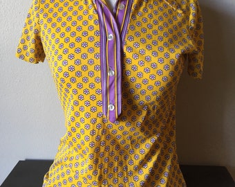 Vintage Tops Tee 1960s Sue Brett Pullover Shirt 60s Micro Floral Tops Yellow Purple Mod Retro Floral Button Down Hipster Pennylane