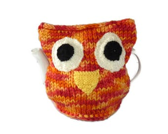 Knitted Owl tea cosy. 4 cup tea cosy. Hand knit owl tea cosy. Orange tea cosy. Knit tea cosy. Tea pot cover. Tea pot cozy. Tea pot warmer.