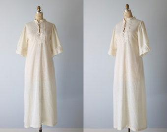 Robe tunique de coton blanc Vintage Caftan / 1970 s Caftan / Crochet