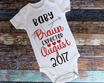 Pregnancy Announcement Onesie, Baby announcement Onesie, Custom Baby Onesie, Custom baby announcement, maternity photo onesie, Custom Onesie