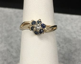 10KT Ladies Diamond and Sapphire Cluster Ring / Size 6