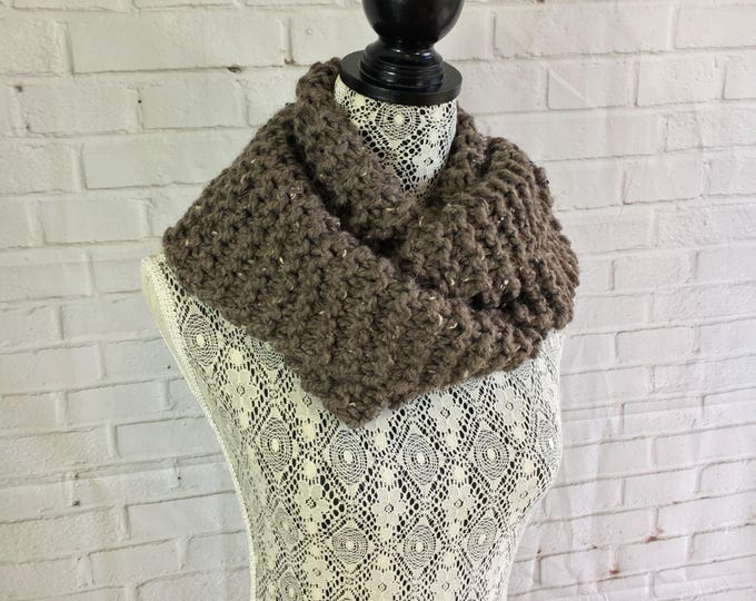 Light brown hand knitted wool infinity scarf / wool scarf / knitted scarf / chunky knit scarf / unisex scarf / handmade gift / ready to ship