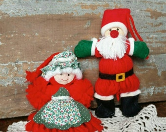 Kitsch Vintage Yarn Holiday Santa + Mrs. Claus Ornaments -  Christmas Decor or Retro Christmas Tree Decor, Cute Christmas Yarn Art Couple