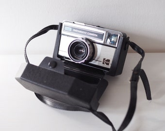 Vintage Kodak Instamatic 277x Camera with Hard Case