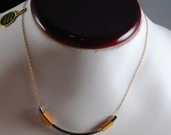 Necklace Vintage 16 Inch Gold and Silver Toned Necklace