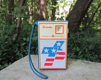 Vintage Transistor Radio GE Spirit of 76 Bicentennial Souvenir Patriotic Collectible Red White and Blue AM Radios Hong Kong