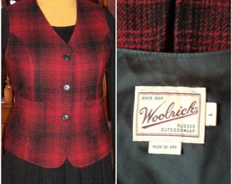 WOOLRICH Wool Vest Buffalo Plaid Woman's L Two Pockets Rugged Outdoor Made USA Minty Vintage Red Black