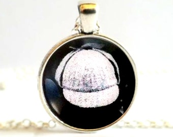 Sherlock Holmes Hat Necklace Pendants or Brooch Pin