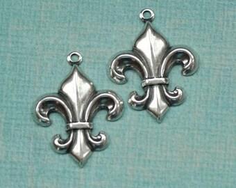 2 Silver Fleur de Lis Charms 1763