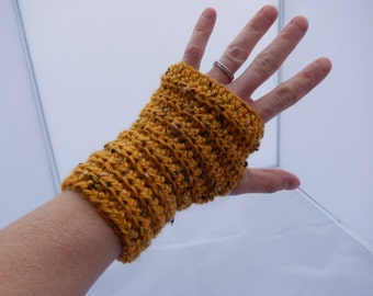 Fingerless gloves - crochet