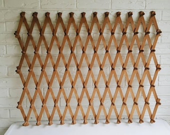Large Vintage 87 Peg Wooden Accordion Peg Rack - Expandable Wood Coat Mug Rack - Natural Bohemian Decor