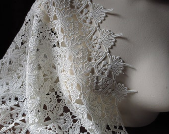 Ivory Venice Lace  for Garments, Shawls, Costumes L 8000iv