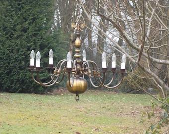 gorgeous vintage Flemish 8arm Chandelier (5091)