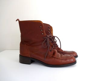 Vintage EDDIE BAUER Boots • 1990s Women Shoes • Casual Brown Leather Lace Up Latch Booties 90s Modern Block Heel • Size 8 • Made in Italy
