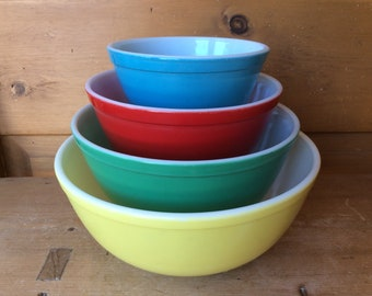 Vintage Pyrex Primary Colors Mixing Nesting Bowls Set of 4 1950s