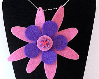 Samantha (Funky Felt Flowers Necklace)