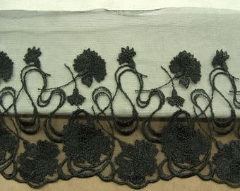 LACE of CALAIS - 15cm - black - embroidered on tulle