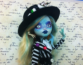 Lagoona Blue Monster High repaint doll Bettyjuice