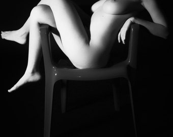 Nude female art square fine ART print black and white photography - Semplicità - 9