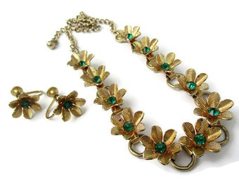 Vintage necklace and earrings set, Coro flower necklace and earrings, vintage jewelry set, gold flower necklace and earrings