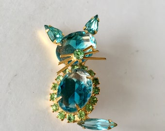 Vintage blue and green crystal kitty cat brooch with gold tone whiskers