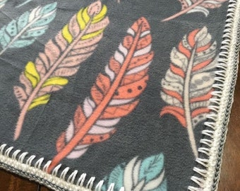 Fleece Blanket (pastel feathers)