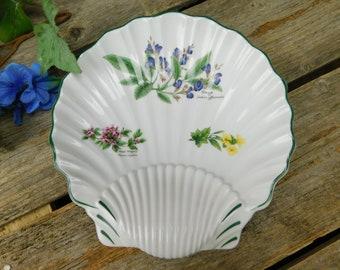 Vintage Royal Worcester Herbs Scalloped Serving Dish