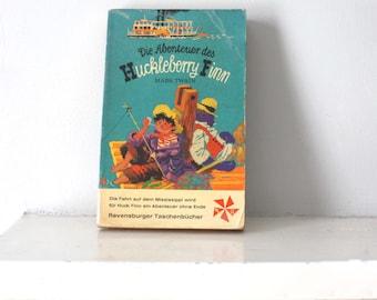 1969 book Bucher Die Abenteuer des Huckleberry Finn. Mark Twain. Bedtime Stories; paperback vintage book in German. adventures of huck finn