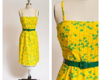 60s Vintage Dress Novelty Print Frogs Vintage 1960s Dress Yellow and Green Cotton Sundress Size Medium