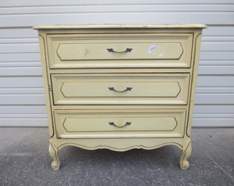 Bachelor Chest Hollywood Regency Dresser LG Nightstand French Provincial Country 3 drawers
