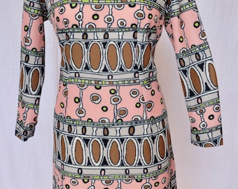 Larger sized, 1960s, heavier weight,size 18, long sleeves,heavier weight,polyester , mod style, shift dress