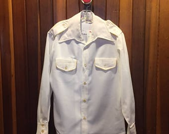 1970s // INFOMERCIAL TEAM // Vintage Cyrano Polyester Size L Button Down