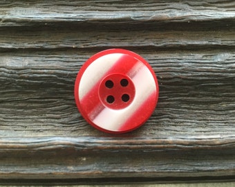 I'm French Vintage Léa Stein Buttons Very Rare Find  - in red and white Candy Stripe.