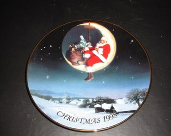 Avon Christmas Plate 1998 (Greetings From Santa)