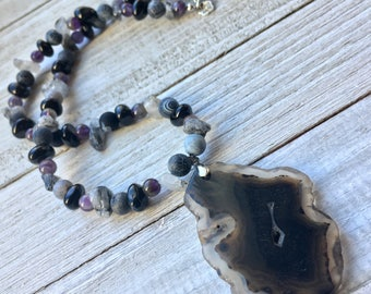 Geode Slice Pendant Beaded Necklace, Natural Gemstone Necklace, Gemstone Beaded Necklace, Healing Necklace, Mens Beaded Necklace