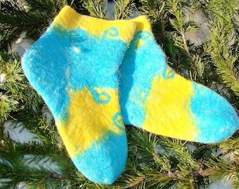 Socks made of felt handmade