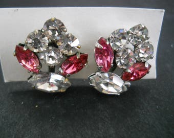 Pink and White Rhinestone Screw on earrings - vintage, collectible, jewelry